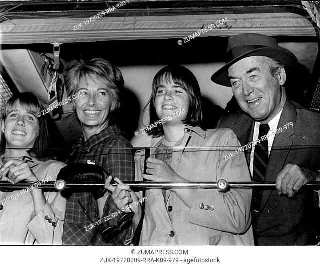 Sept. 13, 1966 - Paris, France - Actor JAMES STEWART his wife GLORIA and their two daughters arrive by boat train at Saint Lazare Station