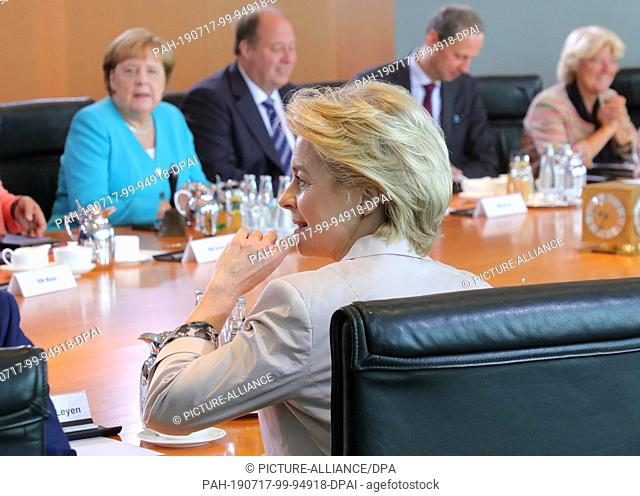 17 July 2019, Berlin: Ursula von der Leyen (CDU), the outgoing Federal Defence Minister, is sitting at the conference table during her last cabinet meeting