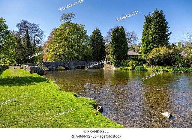 The River Wye and Sheepwash Bridge in Ashford in the water in springtime, Derbyshire Dales, Derbyshire, England, United Kingdom, Europe