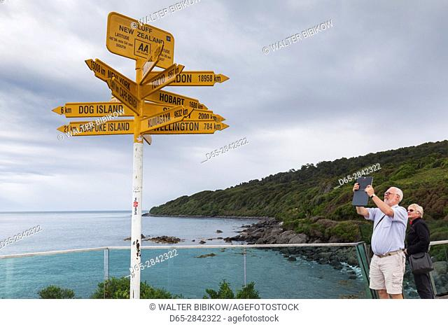New Zealand, South Island, Southland, Bluff, Stirling Point, southern-most termination point for Highway 1, signpost