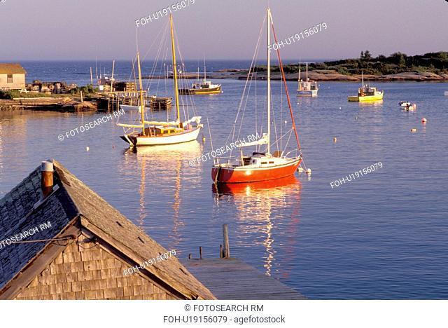 Maine, Corea, ME, Scenic harbor of the fishing village of Corea