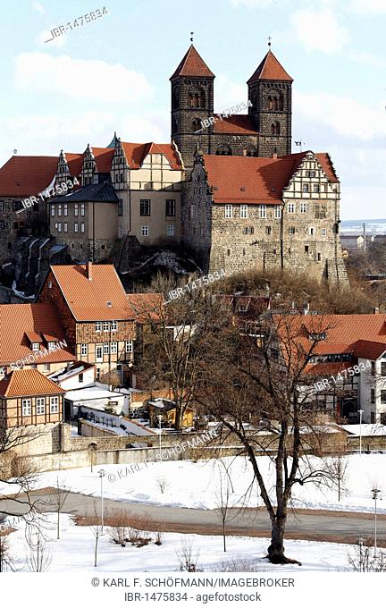 St. Servatii abbey church and castle hill, winter, Quedlinburg, Harz, Saxony-Anhalt, Germany, Europe
