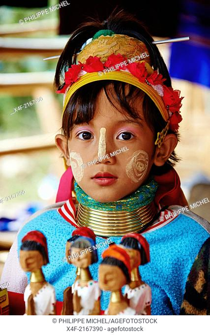 Thailand, Mae Hong Son, Long Neck girl, giraffe girl, Padaung girl