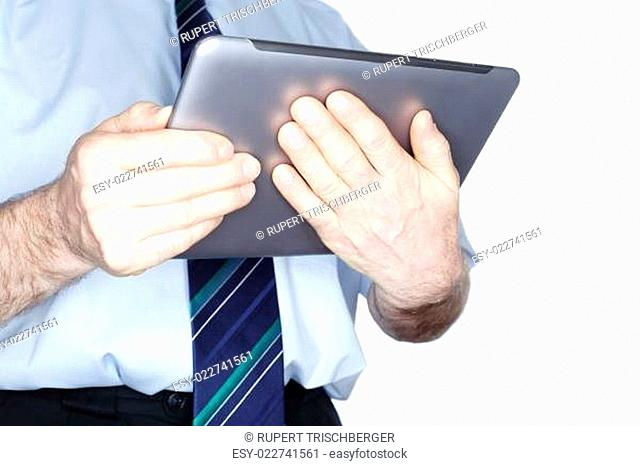 Kaufmann mit Tablet