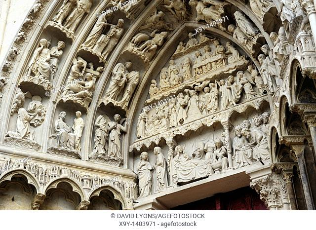 Cathedral of St  Etienne, Auxerre, Burgundy, France  Detail of the 13th C  West Façade right portal  Carved stone bas relief