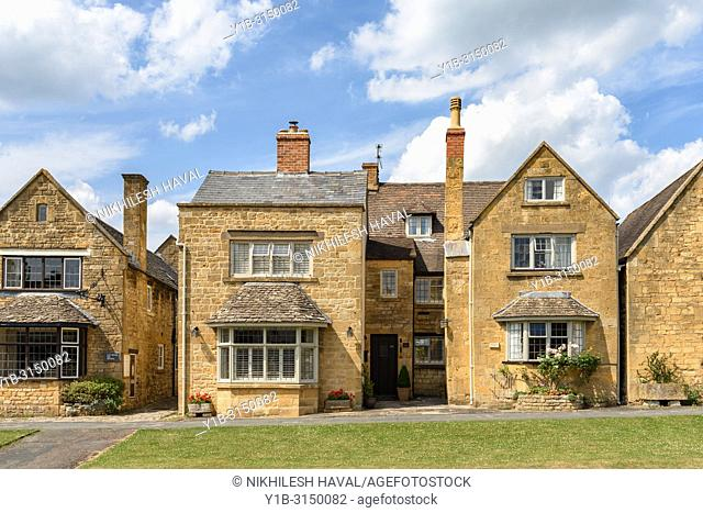 High Street Cottages, in Broadway, Cotswolds, UK