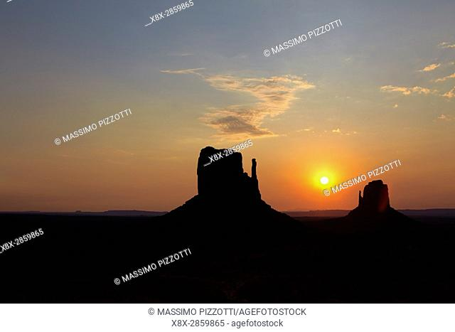 Buttes of Monument Valley at sunrise, Arizona, United States