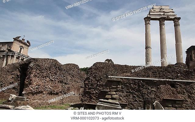 LA, PAN, LS. Daylight. The Temple of Castor and Pollux was originally built to commemorate the victory at the battle of Lake Regillus 495 BC