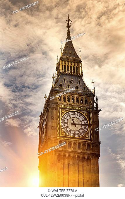 Big Ben clock tower in cloudy sky