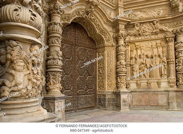 Main front of the gothic cathedral of Santa María (S. XV-XVI), Astorga, Camino de Santiago, León province. Castilla y León, Spain