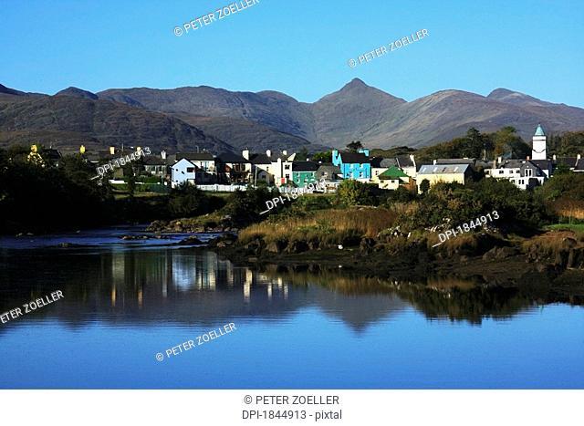 Sneem, River Sneem, Iveragh Peninsula, Ring of Kerry, County Kerry, Ireland