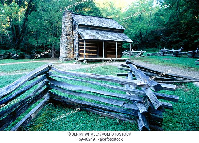 John Oliver Cabin, Cades Cove, Great Smoky Mountains National Park. Tennessee, USA