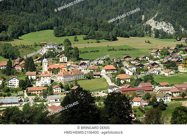 France, Doubs, Grand'Combe Chateleu, Le Cotard, overlooking the village