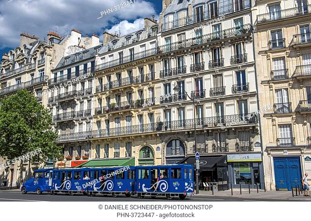 France, Paris 5th district, boulevard Saint-Michel, Haussmannian buildings