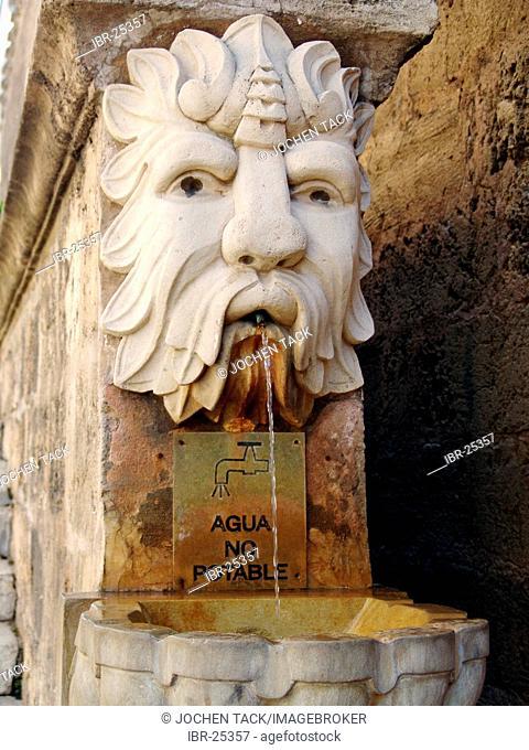 ESP, Spain, Balearic Islands, Palma de Mallorca : Fountain, no drinking water
