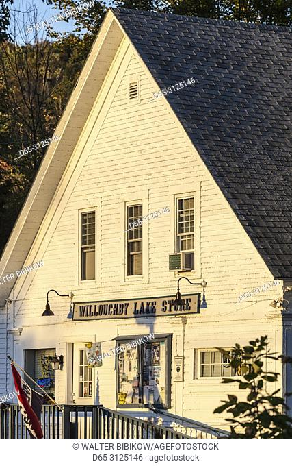 USA, New England, Vermont, Westmore, Willoughby Lake Store