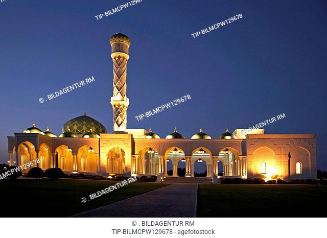 Oman Moschee nahe Muscat bei Nacht, Mosque near Muscat by night