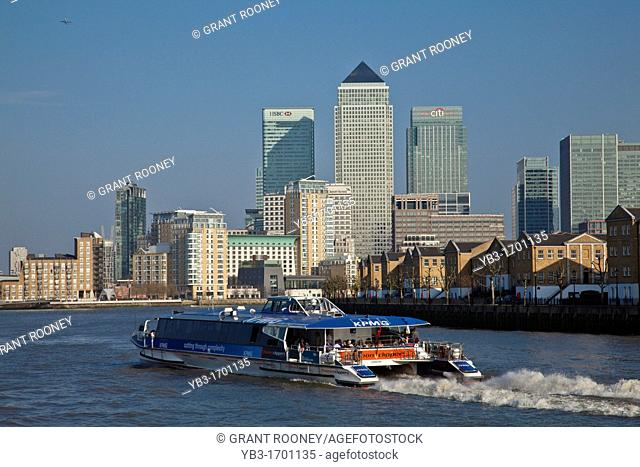 Water Bus 'Thames Clipper' and Canary Wharf, London, England