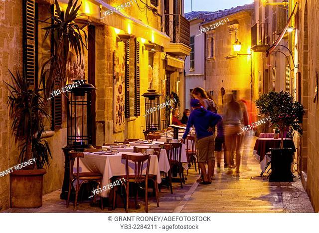 Restaurant, Old Town Alcudia, Mallorca - Spain