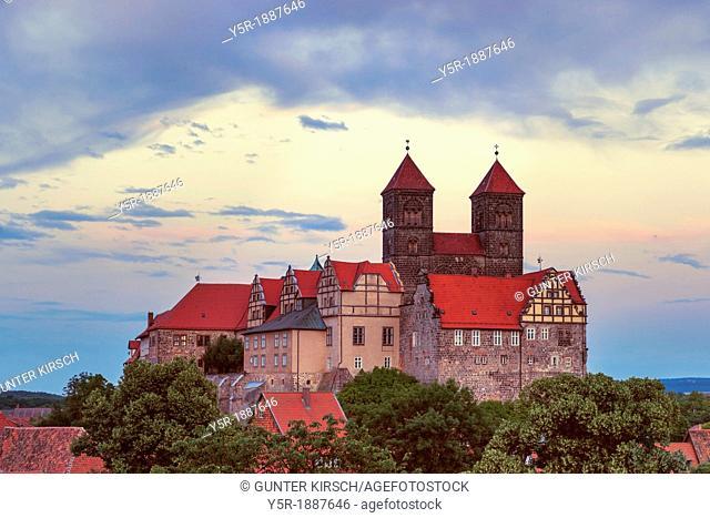 Castle and Collegiate Church of St Servatius on the Schlossberg, Quedlinburg, Saxony-Anhalt, Germany, Europe