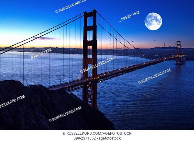 Golden Gate Bridge San Francisco Bay Marin County Headlands San Francisco California Usa