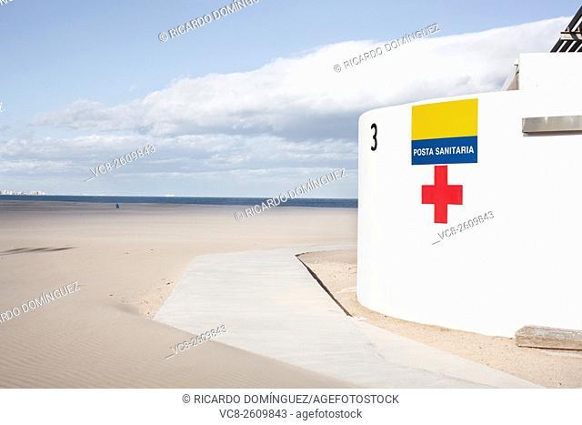 Medical attention at Las Arenas beach. Valencia, Spain