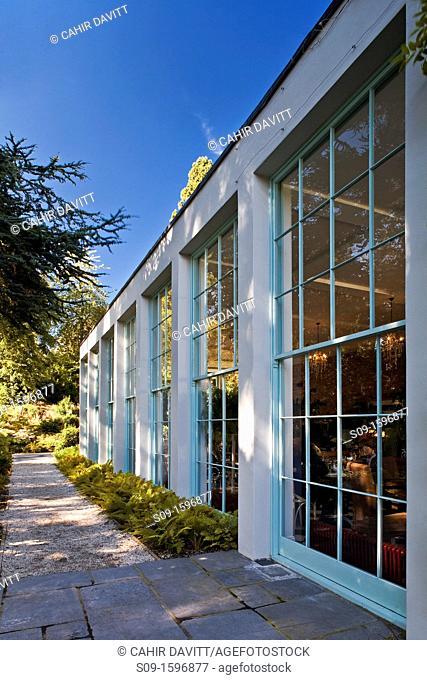 Ireland, Wicklow, Kilmacanogue, the tourist attraction Avoca Handweavers shop, restaurant and cafe