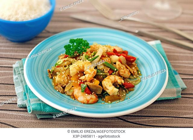 Chinese cabbage with prawns made with wok