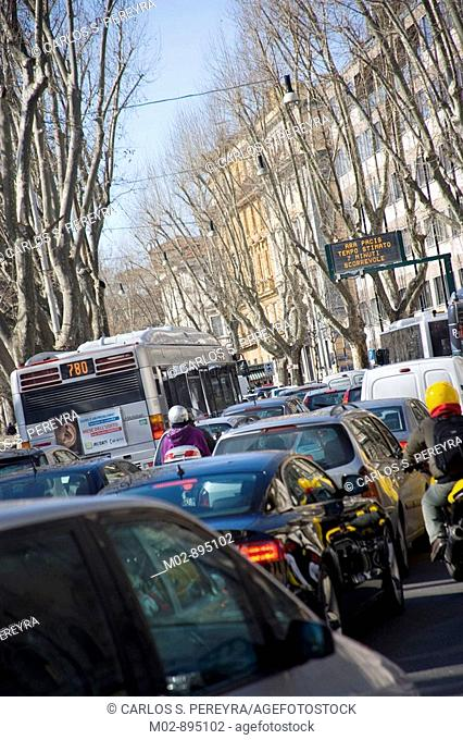 hard traffic in the downtown of Rome