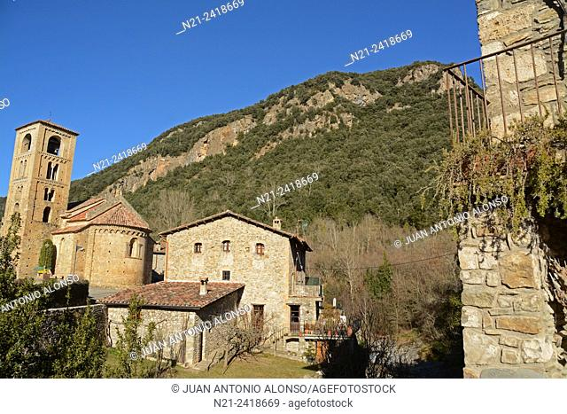 The village of Beget with the Sant Cristofol Romanesque church on the left. Beget, Girona, Catalonia, Spain