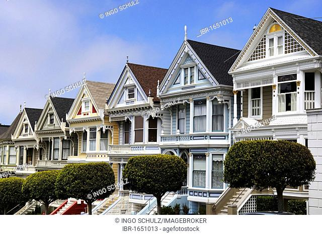 Victorian houses, Painted Ladies, Alamo Square in San Francisco, California, USA, America