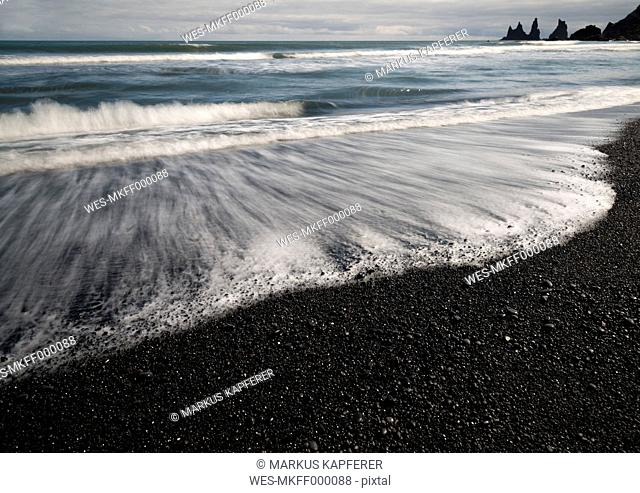 Iceland, South of Iceland, Beach of Vik i Myrdal with Reynisdrangar in the background