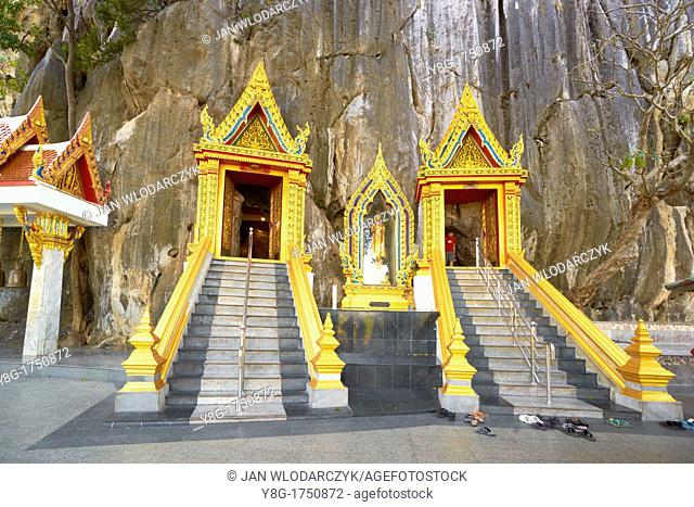 Thailand - Khao Yoi Buddhist Cave Temple, entrance to the cave