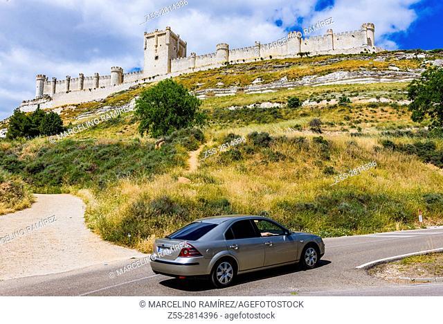 Main view of the castle of Peñafiel. Peñafiel, Valladolid, Castilla y león, Spain, Europe