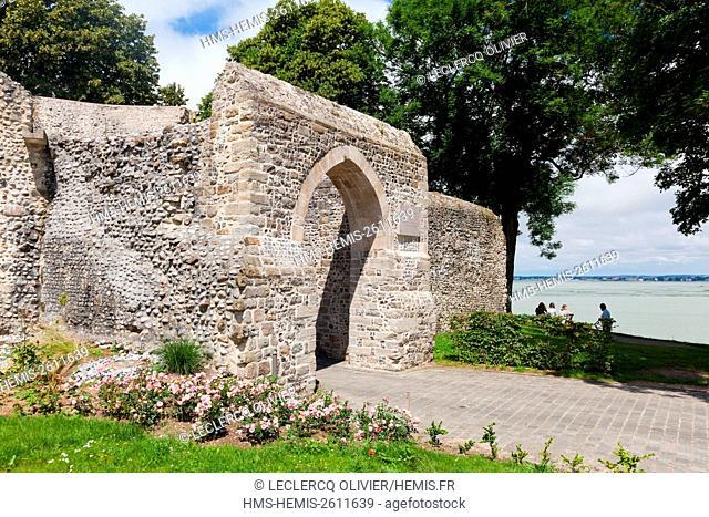 France, Somme, Baie de Somme, Saint Valery sur Somme, the top door