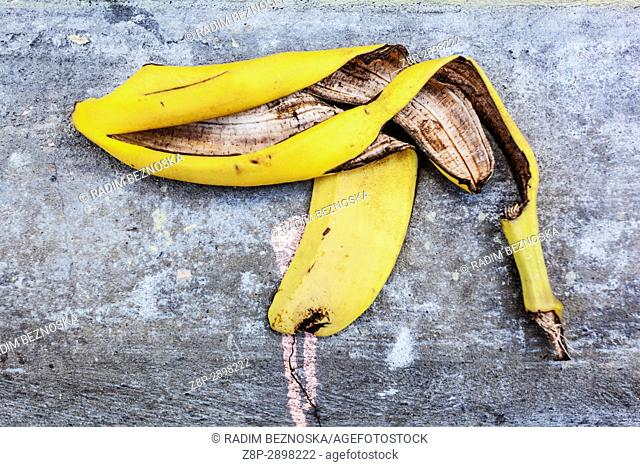Banana peel as a gun