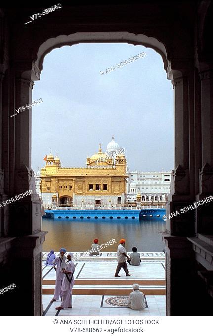 Morning prayers at the Golden Temple, Amritsar. Punjab, India