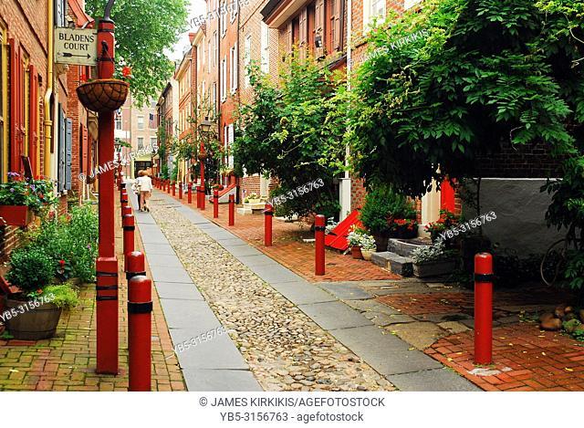 Philadelphia's Elfreths Alley, the oldest Residential Street in America