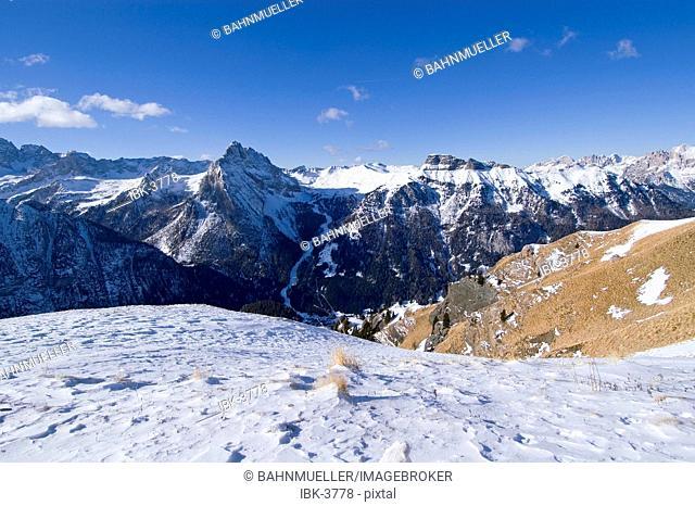 From the ski slopes unter the Sella mountains across the Valle di Fassa to the ski area Ciampac Trentino Italy