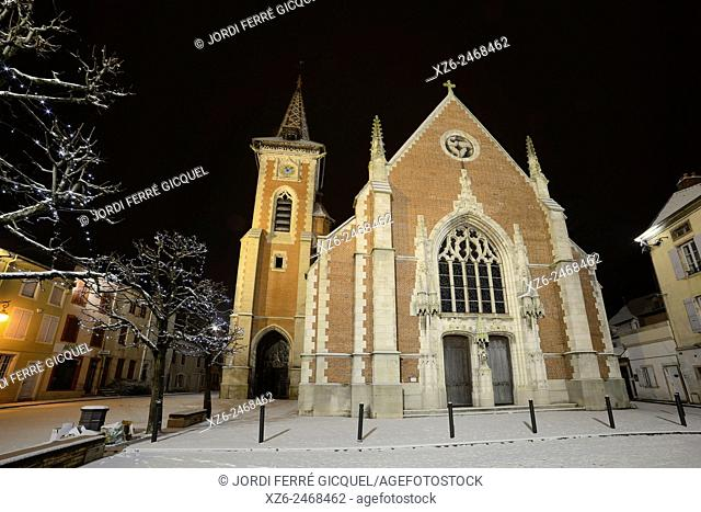Louhans church at night with snow, Saône-et-Loire, Bourgogne, France, Europe
