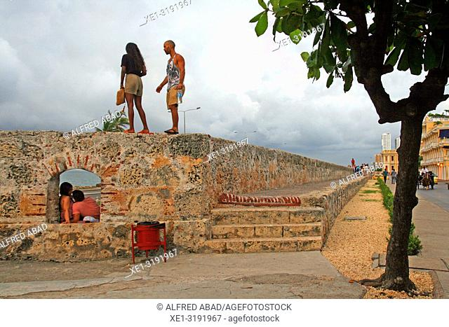 walk on the wall of defense, Cartagena de Indias, Colombia