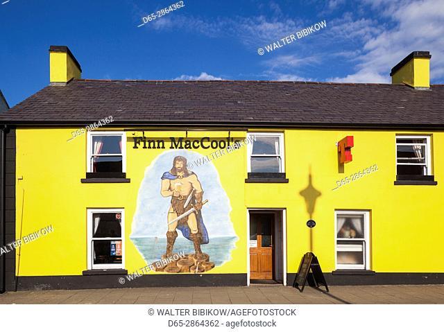UK, Northern Ireland, County Antrim, Bushmills, mural of legendary Irish giant, Finn MacCool