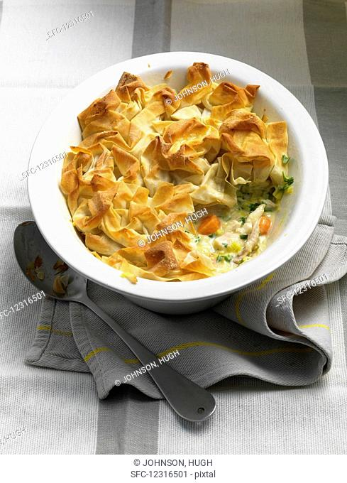Filo pastry pie with chicken and leek