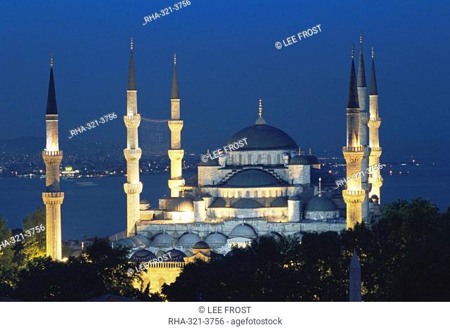 Blue Mosque Sultan Ahmet Mosque at night, Istanbul, Turkey, Europe