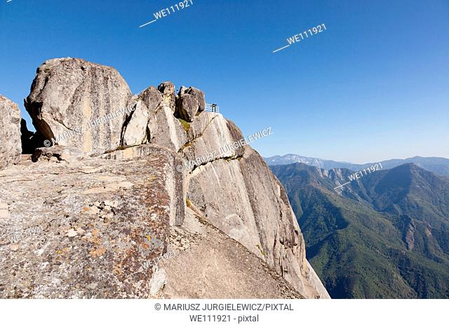 Moro Rock is a granite dome located in the center of the park, at the head of Moro Creek, between Giant Forest and Crescent Meadow