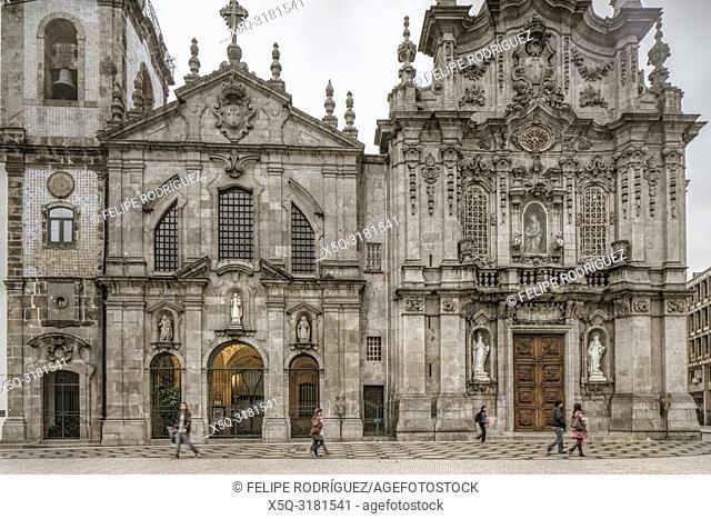 Facades of Carmelitas Church (Igreja dos Carmelitas Descalços, left) and Carmo Church (Igreja do Carmo), Porto, Portugal