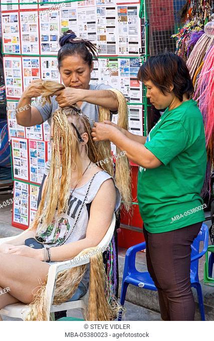 Thailand, Bangkok, Khaosan Road, Hair Braiding