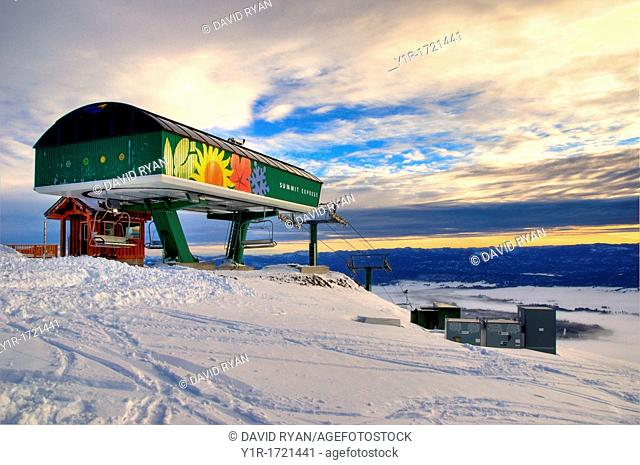USA, Idaho, Valley County, Tamarack Resort, The Ski Lift atop West Mountain at sunrise