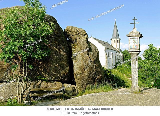 Wayside shrine in front of the parish church St. Thomas with the Bucklwehluckn, Unterer Burgstall, St. Thomas am Blasenstein, Muehlviertel, Upper Austria