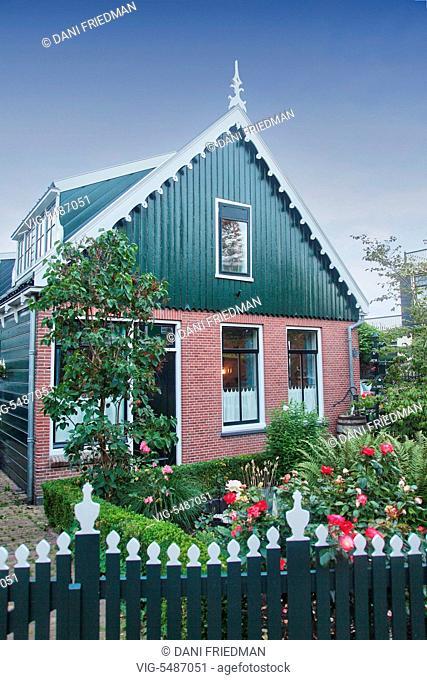 Traditional Dutch house in the small town of Zaanse Schans, Holland, Netherlands, Europe. - ZAANSE SCHANS, HOLLAND, NETHERLANDS, 15/07/2014